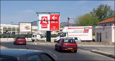 D finition panneau directionnel d finitions marketing for Panneaux publicitaires exterieur